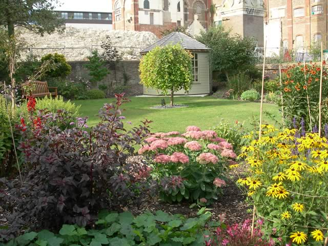 Peaceful garden at Marian Dunlop House